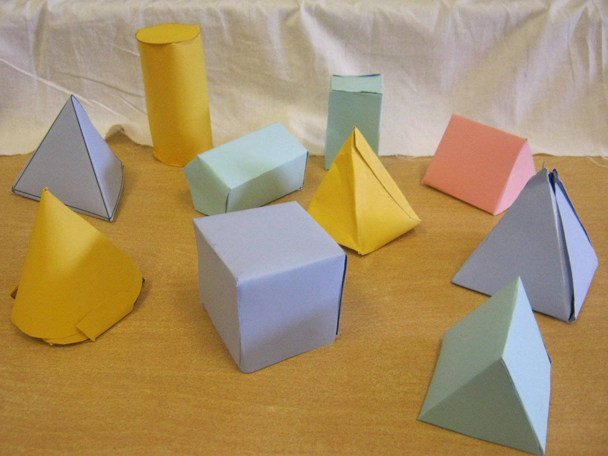 3d shapes we decided to take on a challenge and make 3d animals here ...